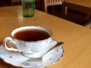 温かい紅茶で冷えた身体を暖めよう!