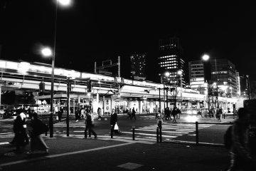 <p>가와사키 역 근처 사거리</p>