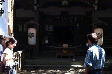 ศาลเจ้าทะเคะชิมะซึ่งเป็นหนึ่งในเจ็ดศาลเจ้าเบ็นเท็น