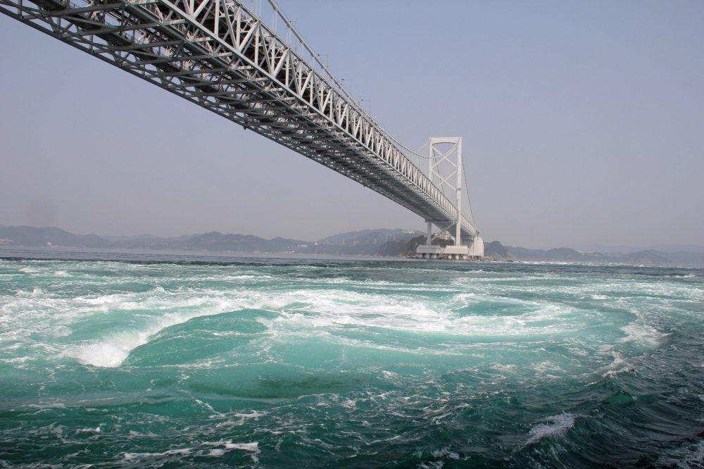 大鳴門橋とうずしお