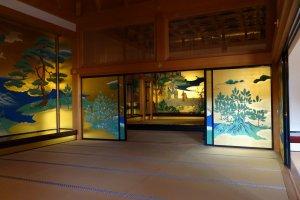 ภายในพระราชวัง Honmaru Goten