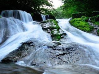 430 000 cascatas - diz-se que cerca de 78 000 toneladas de água fluem por dia