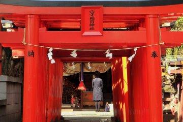 ศาลเจ้า Anamori Inari ที่ฮะเนะดะ