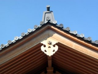 Detail on the roof of one of the shrines many buildings