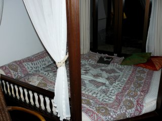 Кроме стандартных кроватей, в нашем номере было еще и место для послеобеденного отдыха