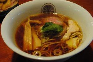 Tori-shoyu Ramen. Please enjoy this clear soup ('assari,' not 'cotteri')