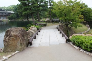 <p>The park makes for a pleasant walk with graceful paths</p>