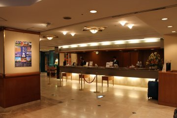<p>The front desk provides many services, including a luggage room and a cloak room</p>