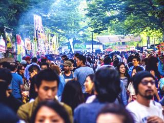 Le Salsa Street Festival est très populaire et attire bon nombre de visiteurs, qu'ils soient Japonais ou étrangers