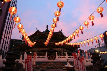 <p>Kantei-byo temple is beautiful during sunset, when its colors match the evening sky</p>
