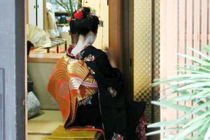 Kyoto Kimonos and hand made fans - a beautiful combination