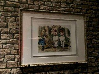 Иллюстрации к Алисе, нарисованные Джоном Тенниэлом, считаются каноническими