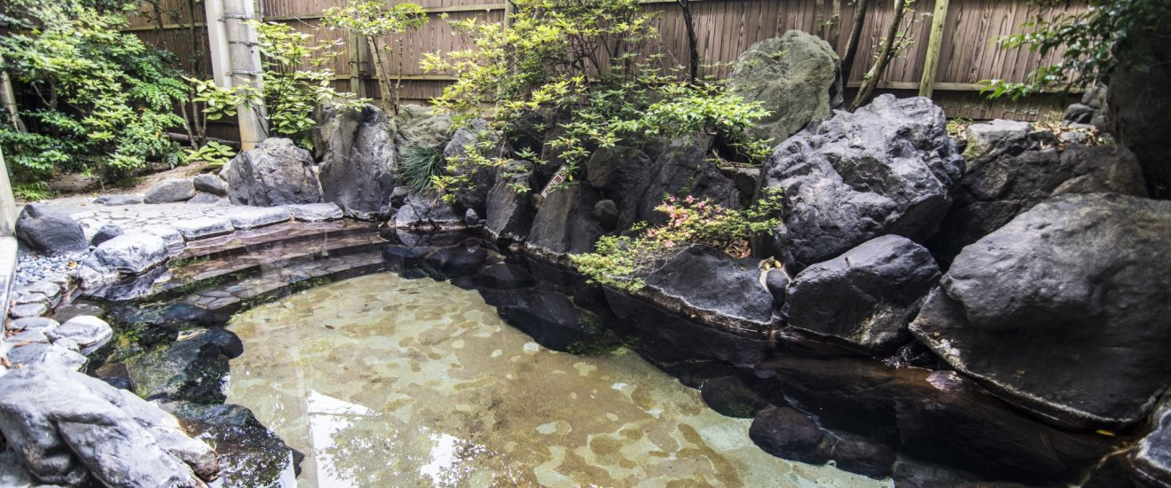 Yet another beautiful outdoor pool, this one in Hosei-kan. Ryokans often open their onsen baths to visitors even if they are not staying guests.