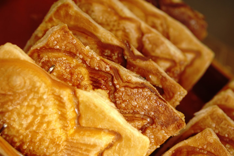 Perpaduan antara rasa renyah dari kulit croissant dan kelembutan pasta kacang merah Taiyaki bikin kamu jatuh cinta