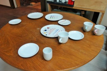 <p>The types of ceramics you can choose to paint</p>