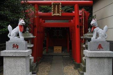 Đền thờ Sanja & Mitake