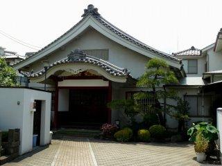 Главное здание храма