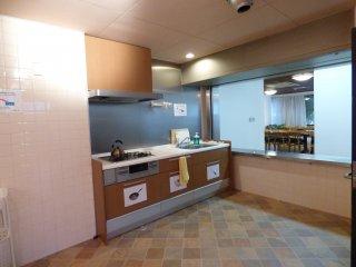 Dapur yang luas dan selalu terjaga kebersihanya
