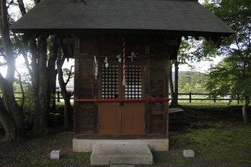 <p>The shrine in Yagasaki park.</p>