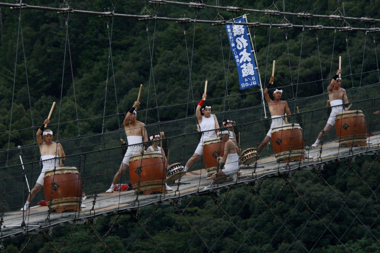 Drummers on the bridge
