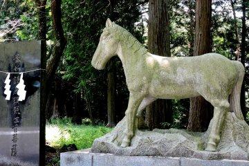 Статуя лошади