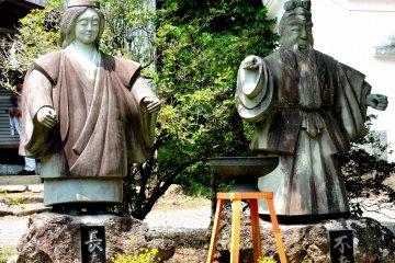 Храмовые статуи