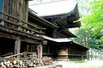 Боковой вид храмового здания
