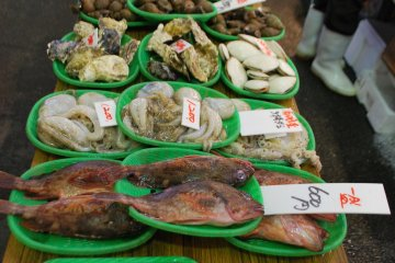 <p>A variety of seafood for sale</p>