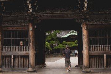 <p>Entrance to the Shibamata Taishakuten Temple</p>