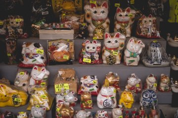 <p>Lots and lots of lucky cats</p>