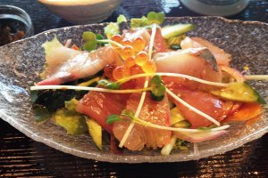 The sashimi was well presented, fresh and delicious.