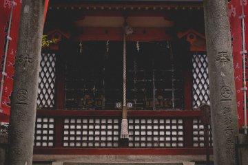 <p>Маленький храм</p>