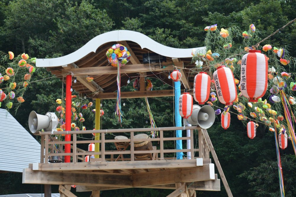 The platform with taiko drums used for the bon dance after the sumo tournament ended