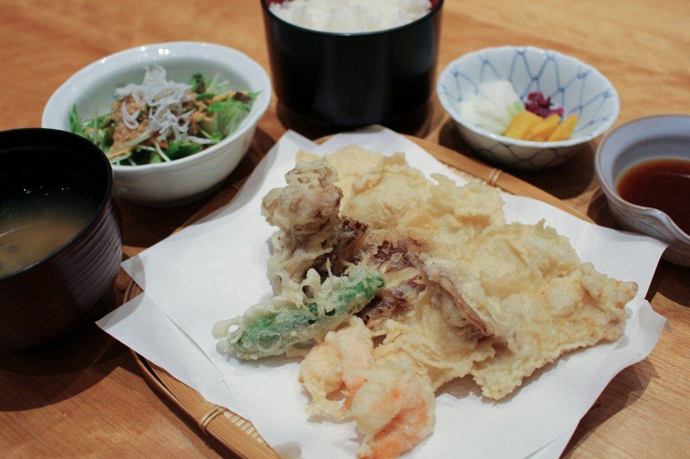 Tempura ayam oshu iwaidori dari Prefektur Iwate