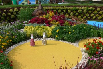 <p>There are many specially designed flower beds around for the Greenery Fair.&nbsp;</p>