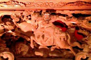 การแกะสลักอย่างละเอียดลออจากหนึ่งใน 35 ดันจิริที่ใช้ในเทศกาลคิชิวะดะในวันที่ 18, 19 และ 20 กันยายน ในปี 2015