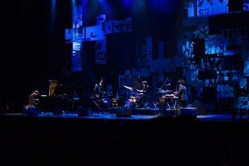 <p>Kyoto jazz sextet</p>