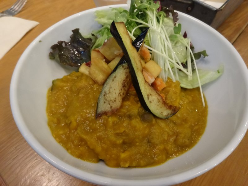 <p>A veggie-based curry lunch</p>