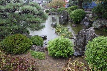 <p>Японский сад</p>