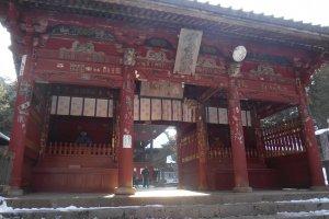 La porte du sanctuaire Fuji Sengen-jinja