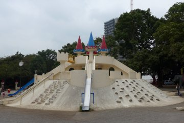 <p>Kids love to explore the big castle in the playground.</p>