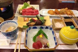 Restauran di Hotel Wellness Yamatoji menyajikan beberapa masakan tradisional yang menarik.