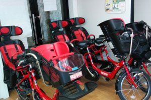 Double bikes for adults with children, as well as helmets, make this service also perfect for family outings