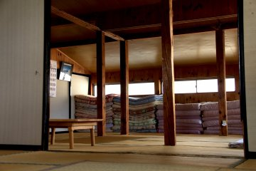 <p>The biggest room can take up to 21 guests</p>