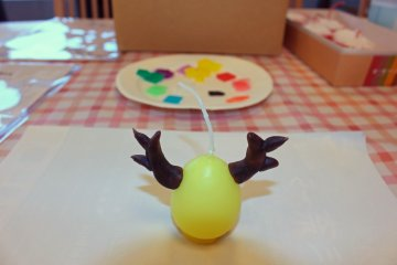 <p>My deer candle takes shape</p>