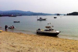 Kamoike Beach