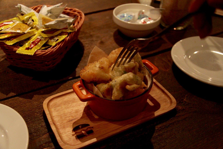 Fried shrimp and avocado, a delicious combination