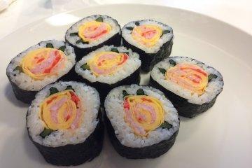 Chế biến sushi hoa hồng