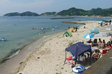 Bãi biển Monchichi Kaigan