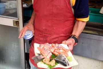 <p>A plate of the freshest summer season amago sashimi</p>